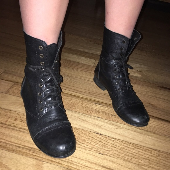 f645523d96a Black Steve Madden combat boots. M 5acc13148af1c5a2caa717c0